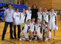 L'équipe féminine de sabre a remporté la médaille d'argent aux championnats de France des Grandes Ecoles, en avril 2010.