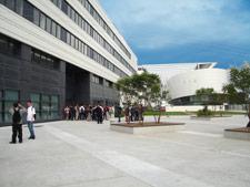 Entrée du bâtiment Minatec