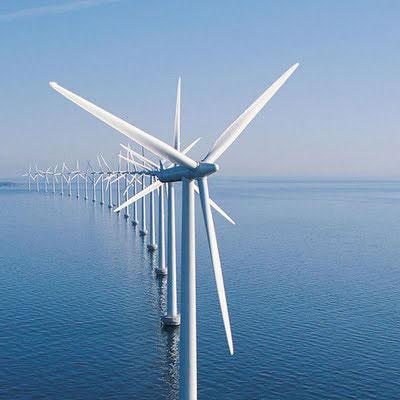 L'électricité produite par les dispositifs éoliens offshore doit être transportée sur des milliers de kilomètres.